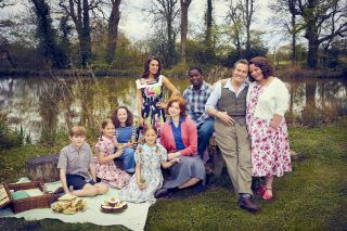 The Larkins will have a fab time in The Larkins Christmas special