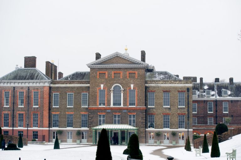 kensington palace in the snow