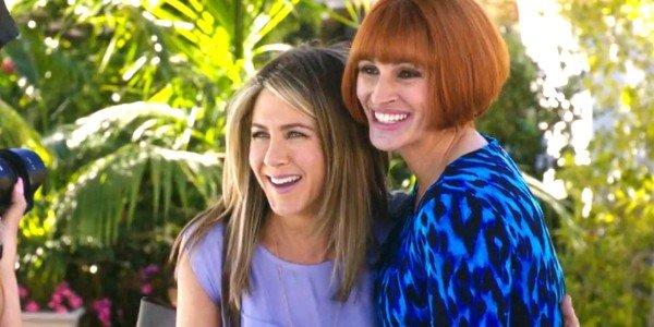 Jennifer Aniston, Julia Roberts - Mother's Day
