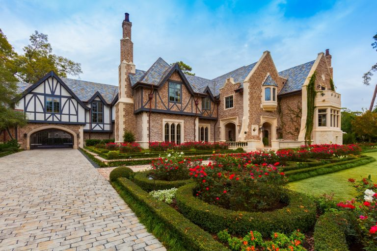 Storybook River Oaks estate in Houston