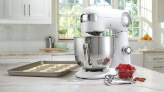 Cuisinart Cyber Monday stand mixer deal: Only $159 for this KitchenAid mixer rival