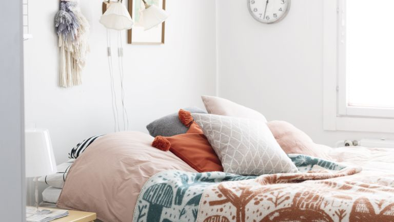 Scandinavian bedroom: 13 cosy ideas for long winter nights