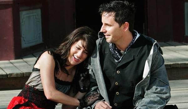 Bachelorette Jillian leans into Wes Hayden 2009