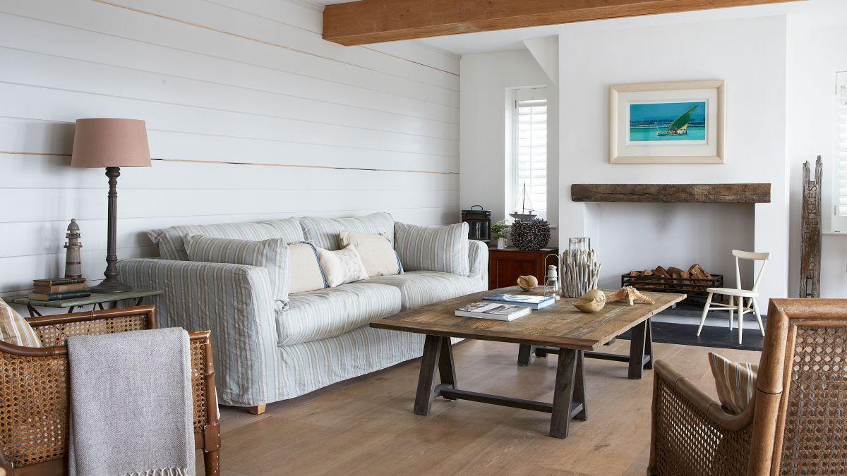 Living room corner ideas – 10 stylish ways to decorate an empty corner