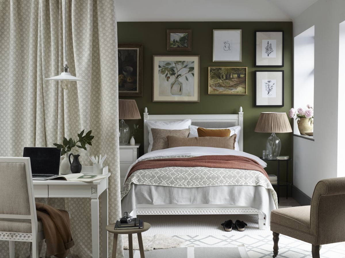 10 ways designers fake square footage in a small bedroom