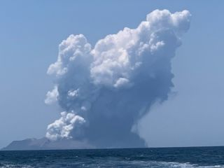 An eruption on White Island in New Zealand has left 5 dead and many injured.
