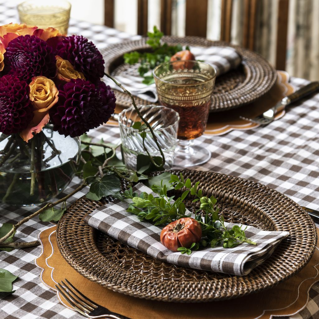 10 stylish ways to style your Thanksgiving table this year