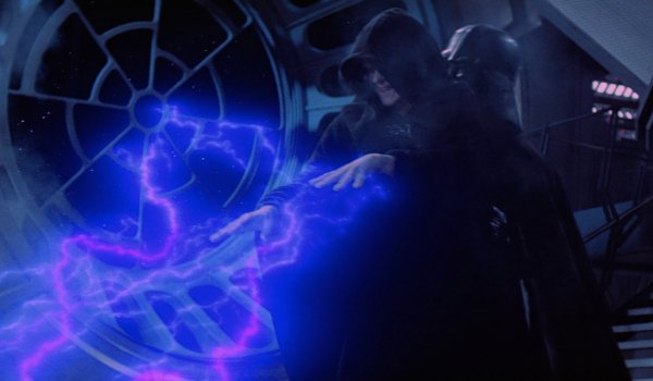 Star Wars: Return of the Jedi Vader picks up Palpatine as he uses Force Lightning