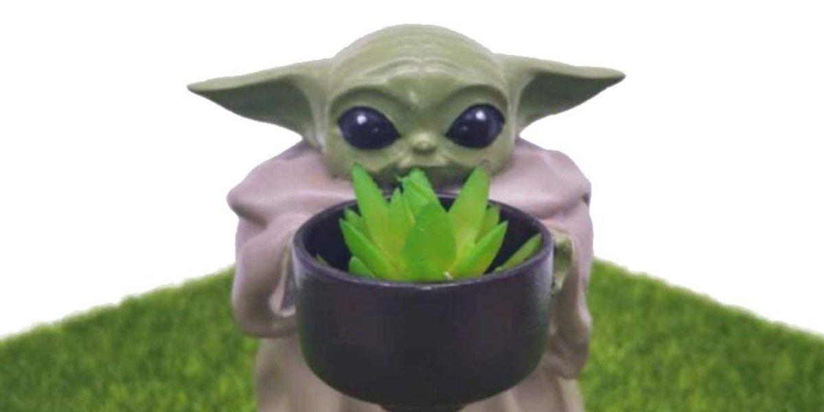 Mandalorian Baby Yoda Planter