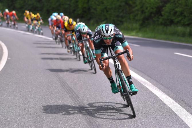 Bora-Hansgrohe chase down the breakaway