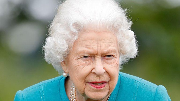 The queen not smiling