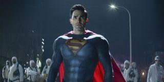 Superman (Tyler Hoechlin) stares forward on Superman & Lois (2021)