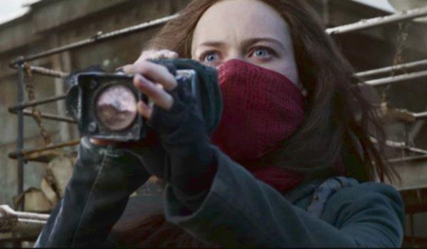 Mortal Engines Hester spots London through her spyglass