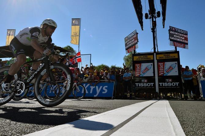 Mark Cavendish (Dimension Data) crosses the line first to win stage 14 Tour de France