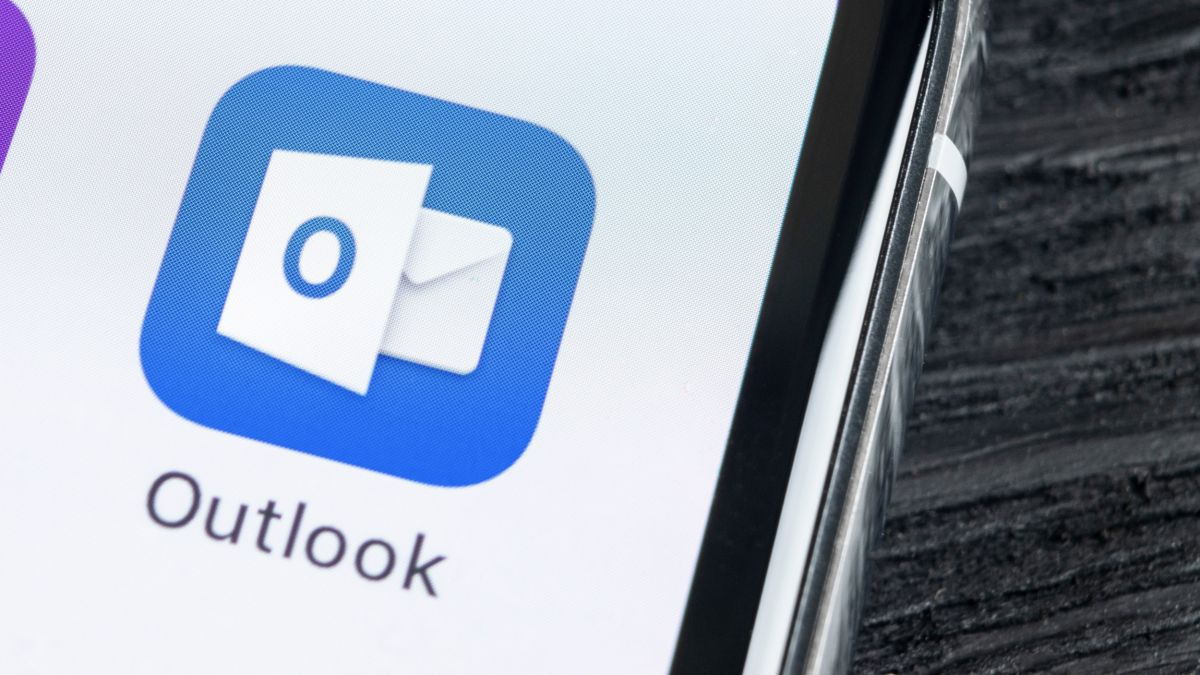 Microsoft Outlook is getting a big makeover — and a much smarter way to book meetings