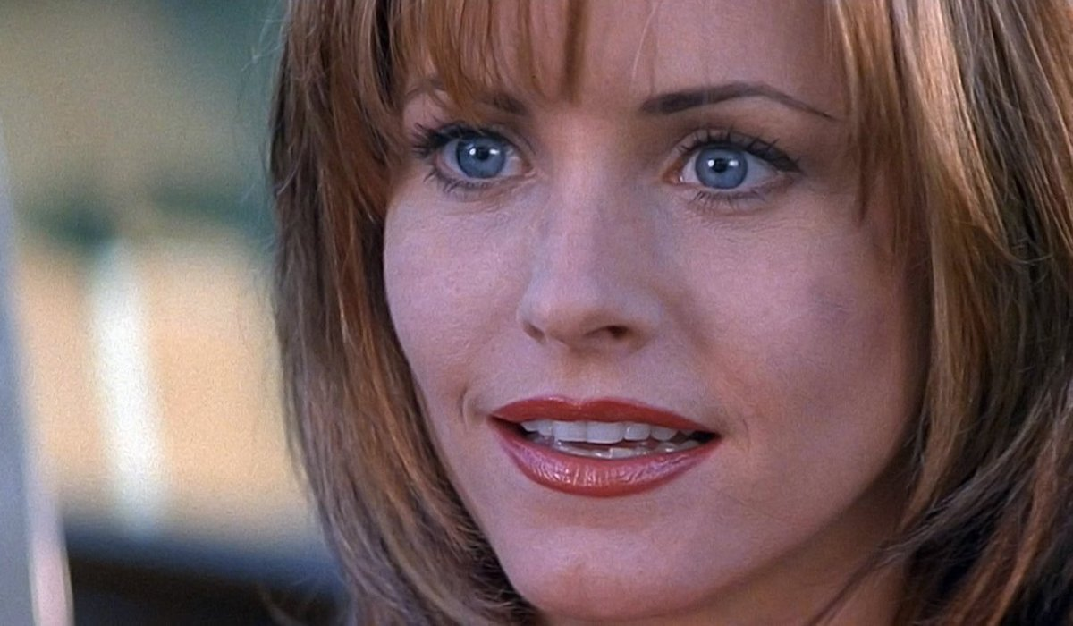 Courteney Cox as Gale Weathers in Scream