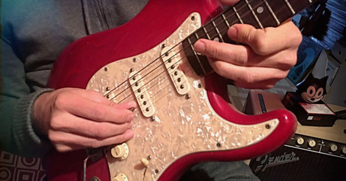 How to Seamlessly Play Pentatonic Scales Over Three Octaves