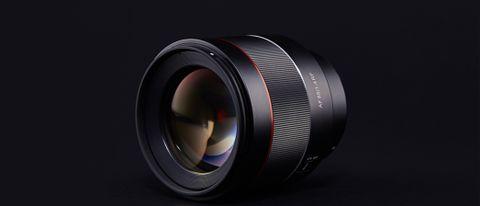Samyang AF 85mm f/1.4 RF lens