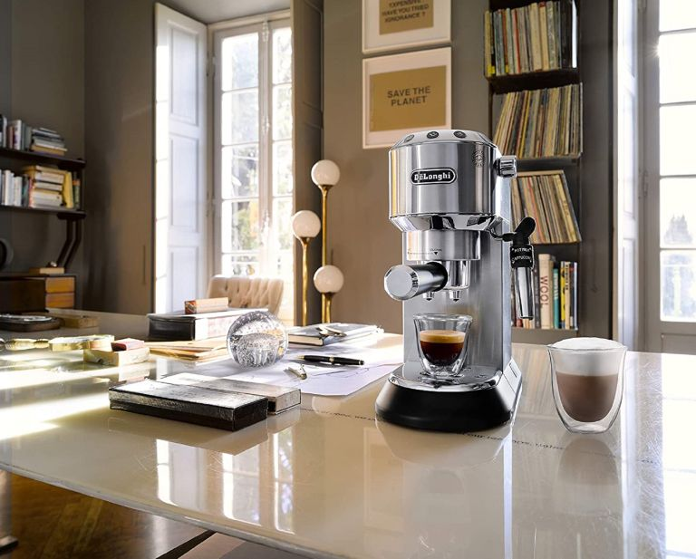 best coffee machine: DE'LONGHI DEDICA STYLE EC685