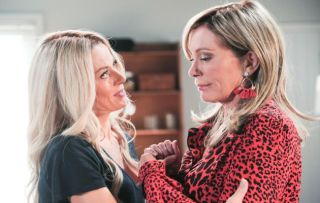 Neighbours, Andrea Somers, Heather Schilling
