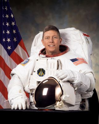 Astronaut Biography: Michael E. Fossum
