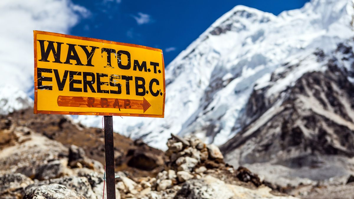 Spy Satellite Images Uncover Staggering Mount Everest Ice Loss
