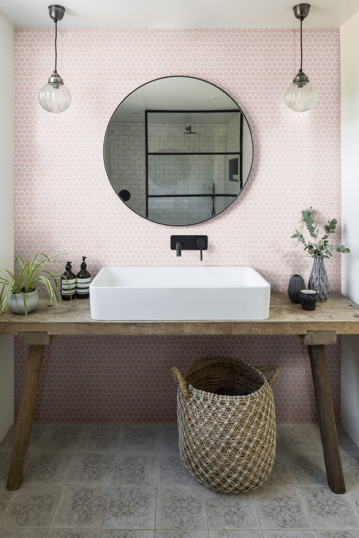 Bathroom tile ideas for a small bathroom
