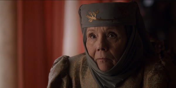 Olenna speaking with Cersei