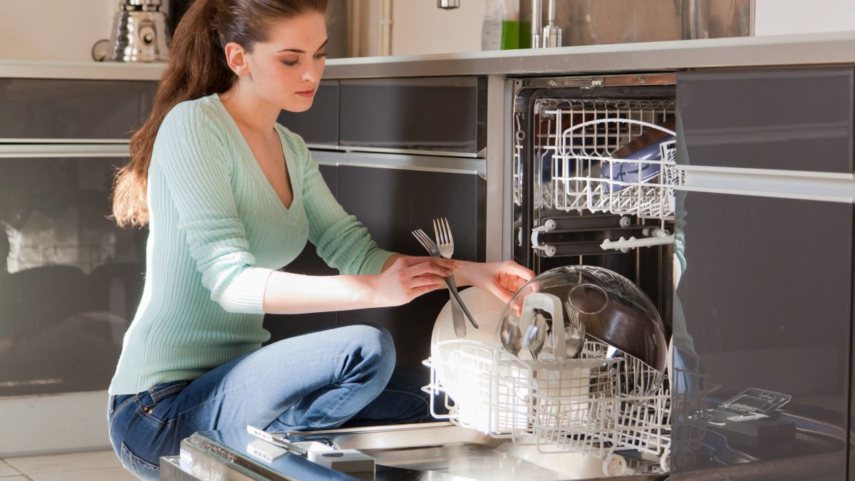 Clean your dishwasher like a pro with the help of our tips