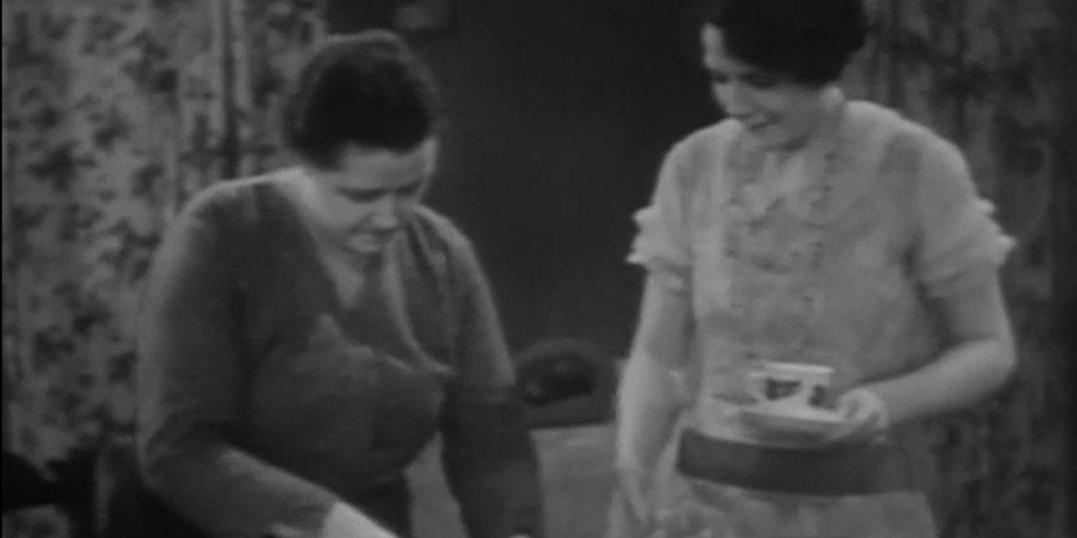 Sara Allgood and Kathleen O'Regan in Juno and the Paycock