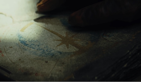 Star Wars: The Last Jedi Orange Hand Brushing