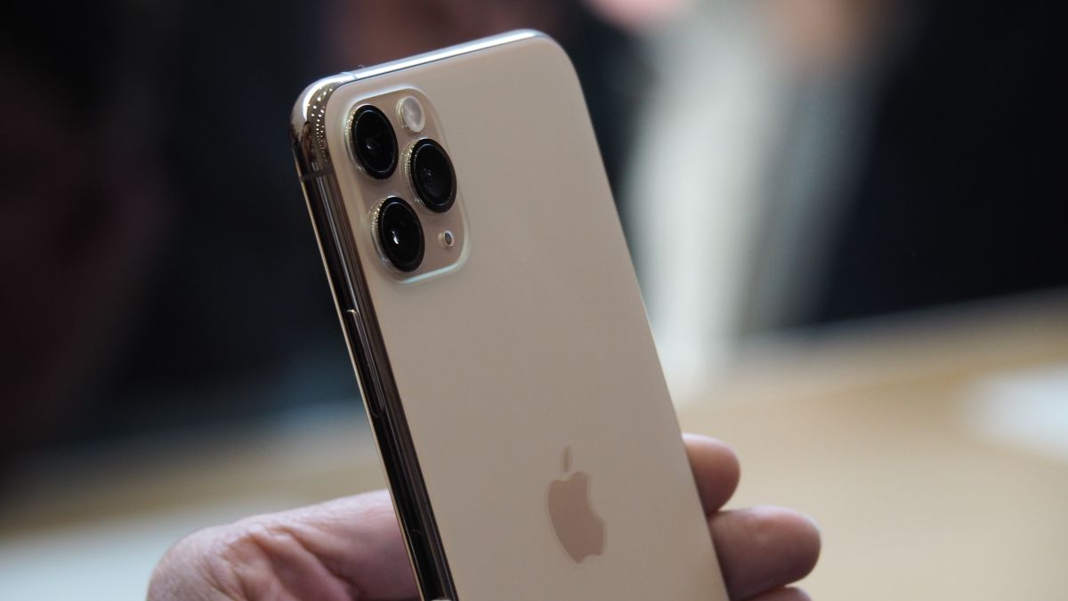 iPhone 11 Pro hands-on: Triple rear cameras, night mode, 4 hours longer battery life and A13 chip