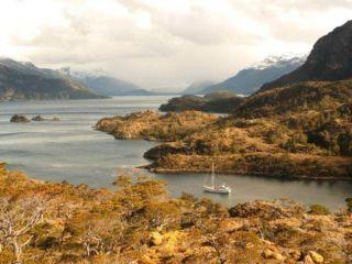 patagonia-mountains-110228-02