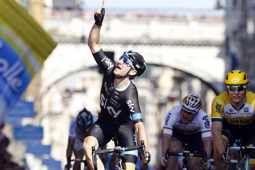 Elia Viviani wins stage two of the 2015 Tour of Italy