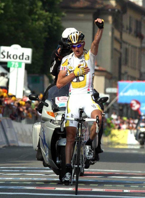 Kanstantsin Siutsou wins the stage