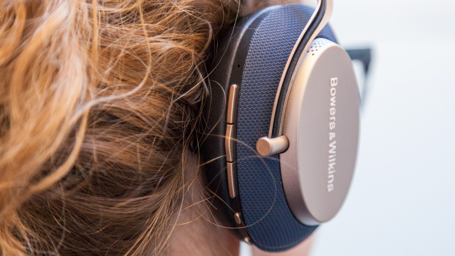 Best noise cancelling headphones: Bowers & Wilkins PX