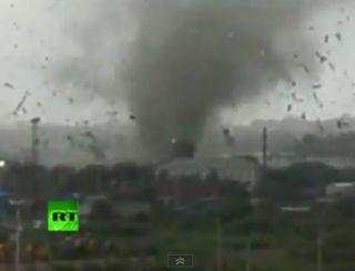 russia-tornado-110801-02