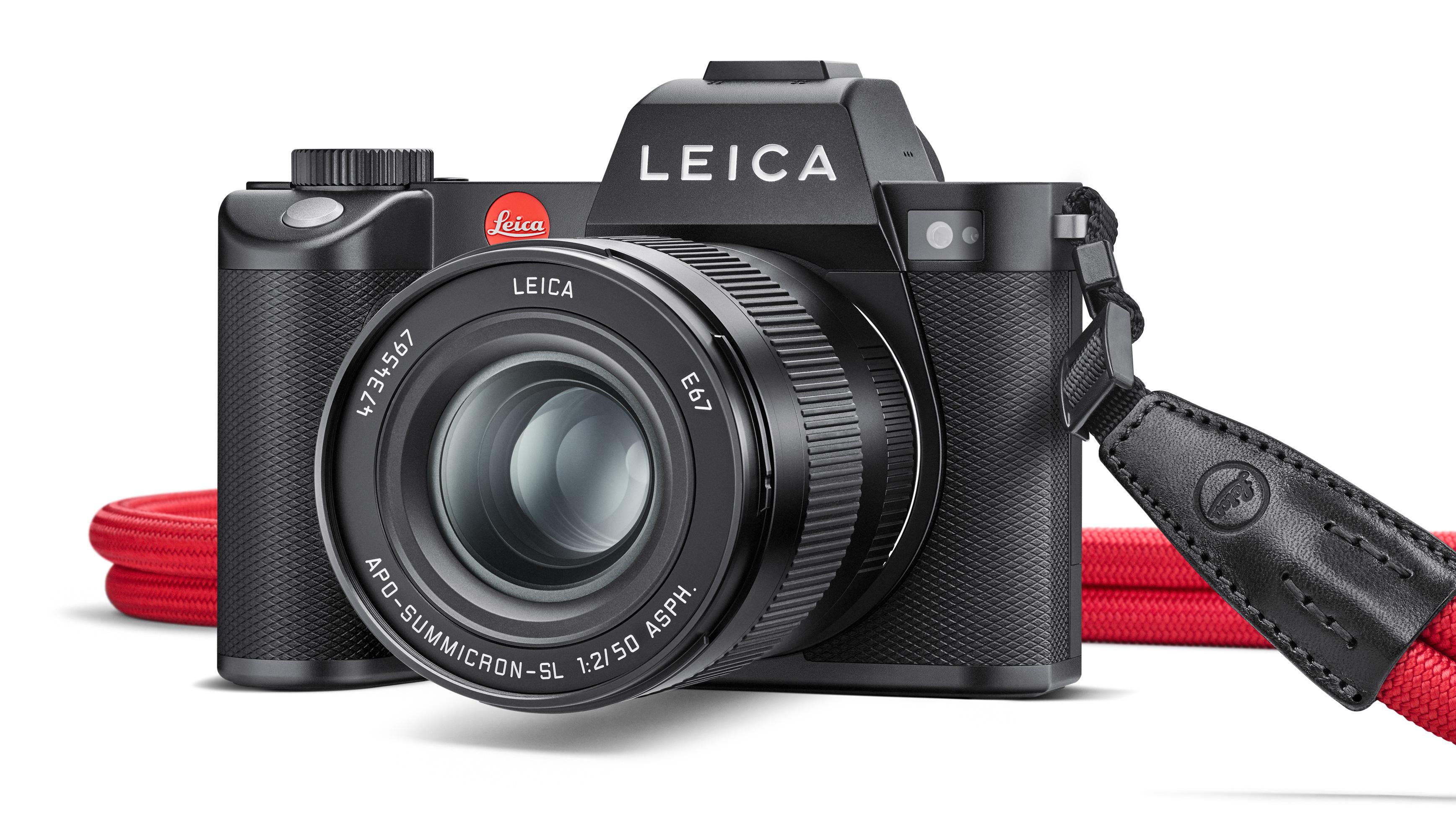 Leica SL2 full-frame fotocamera mirrorless passi su una tacca con 187MP immagini