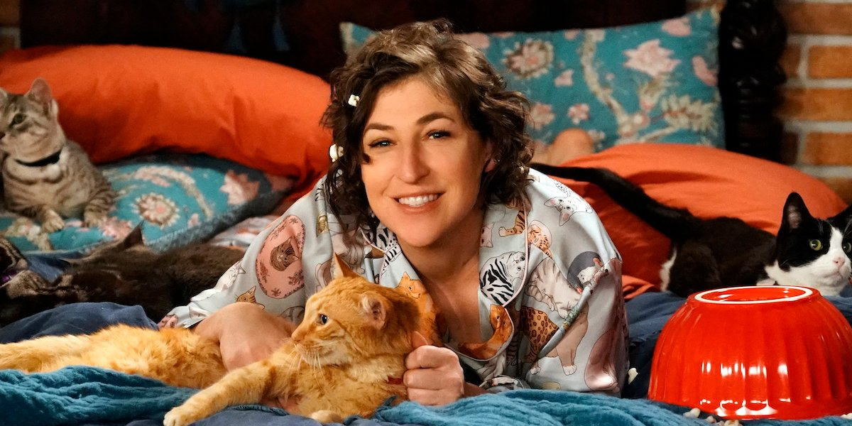Big Bang Theory Vet Mayim Bialik Shares Excited First Look As New Jeopardy Guest Host