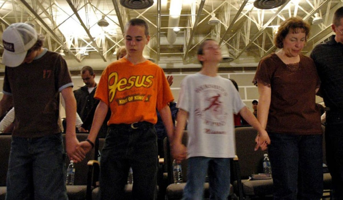 Jesus Camp a family at prayer