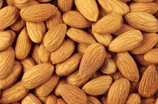raw almonds, b2, vitamins