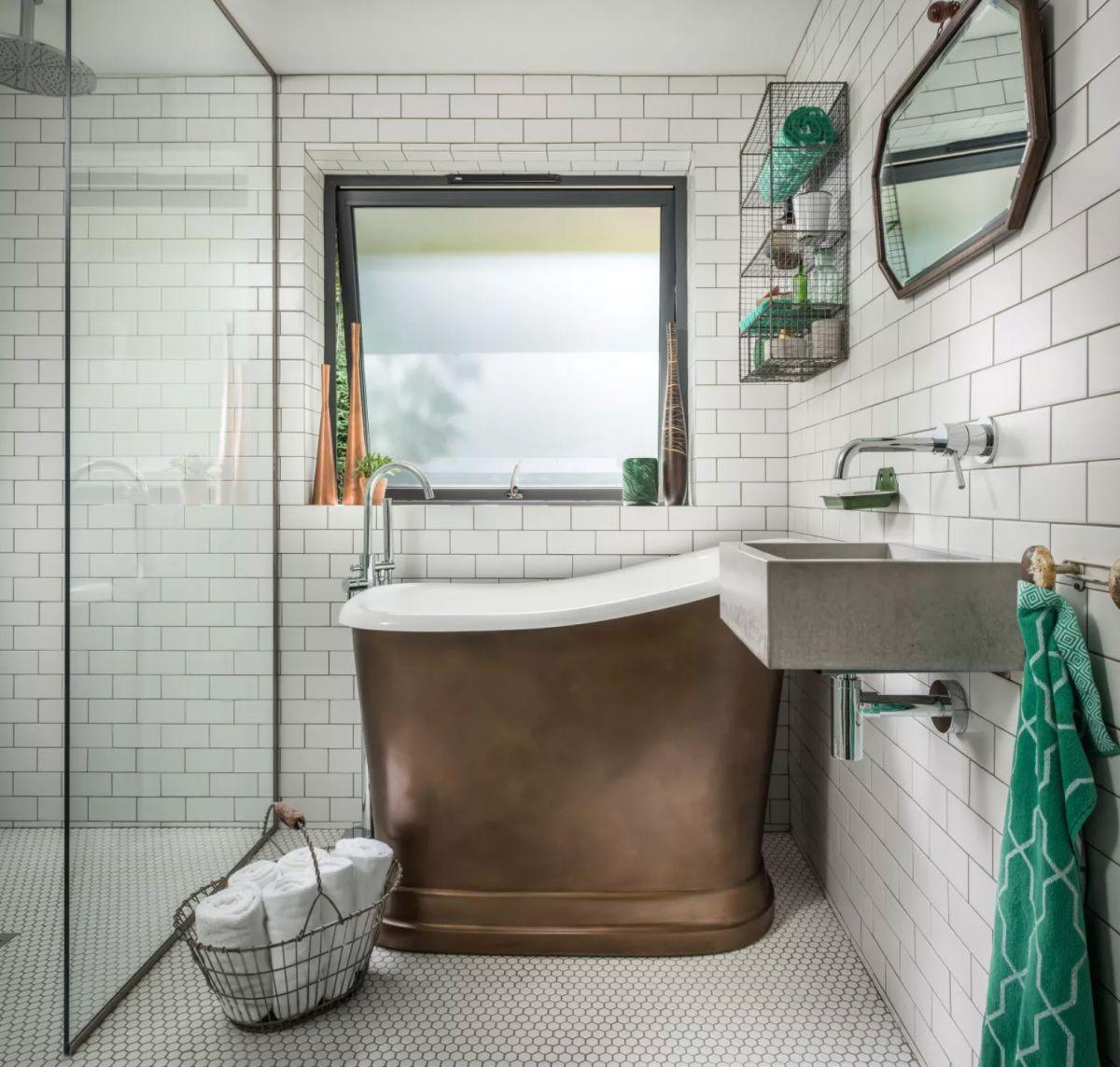 Stylish small bathroom ideas for tiny spaces