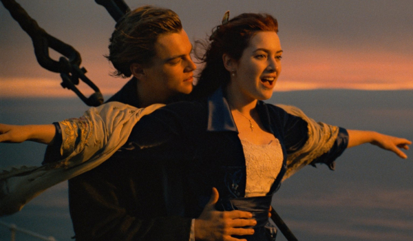 Titanic Jack and Rose flying on the bow of the ship