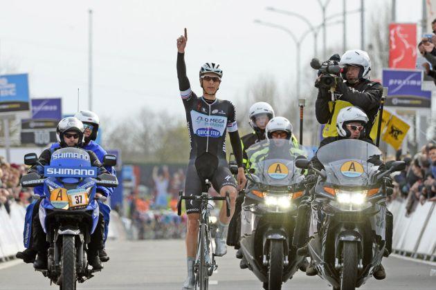 Niki Terpstra wins the 2014 Dwars door Vlaanderen