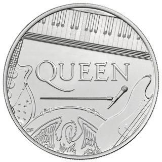 The £5 Queen Brilliant Uncirculated coin