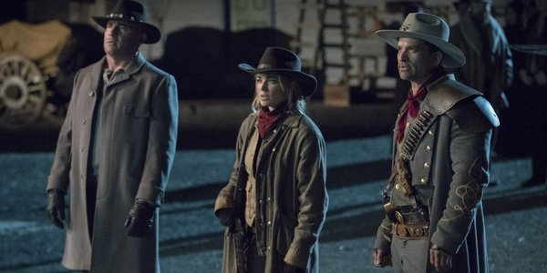 legends of tomorrow mick rory sara lance jonah hex