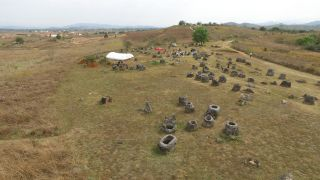 The latest research from the Plain of Jars combines the ages of some of the stone jars with the ages of some of the burials – most of the burials were found to be much younger than the stone jars.