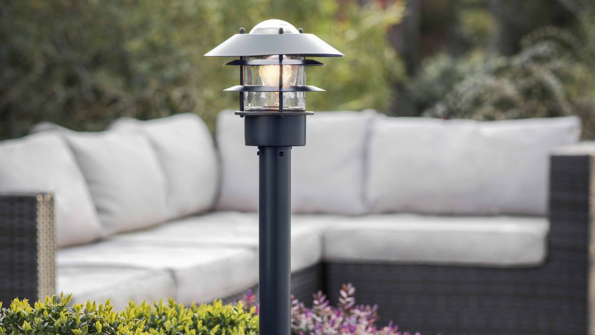 5 garden lighting ideas for pathways to welcome you home in style this autumn