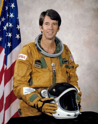 Astronaut William Lenoir, Who Flew on 1st Operational Shuttle Mission, Dies