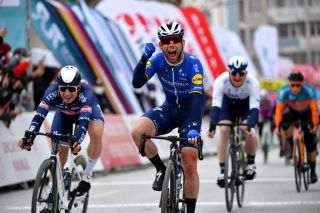 Mark Cavendish (Deceuninck-Quickstep) wins his first race since 2018 at the Tour of Turkey 2021 on stage 2